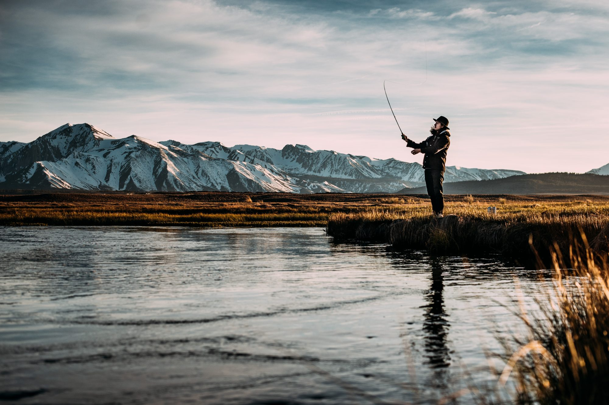 6 Fun and Useful Fishing Gifts Anglers Would Love To Unwrap In 2019 –  Fupping 86e060852dff